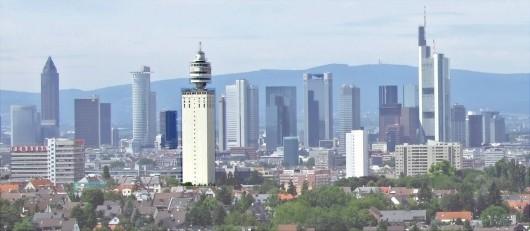 Skyline-sued-ffm002_henninger_turm