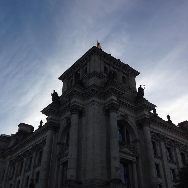 Reichstagseckelinkshinten.